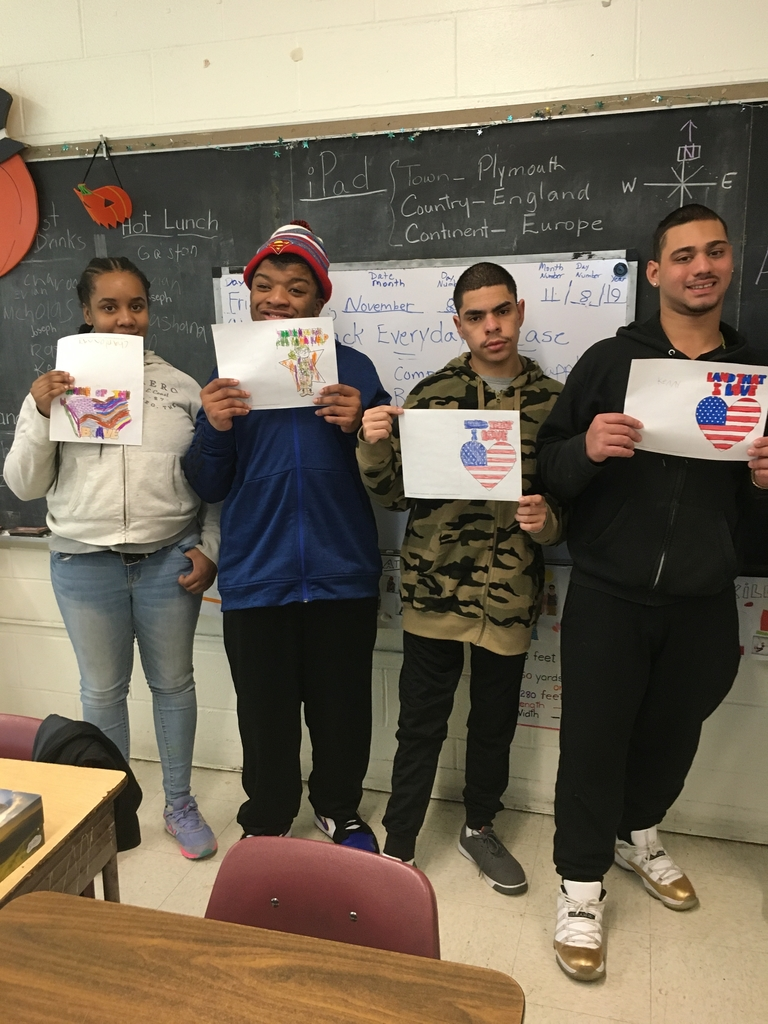 Students made Veterans Day Cards